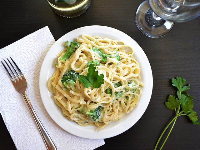 broccoli fettuccine alfredo
