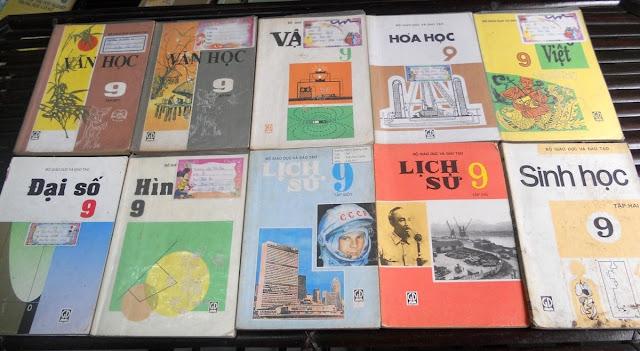 Sách giáo khoa tiểu học cũ - nơi lưu giữ từng trang ký ức DSCN2736
