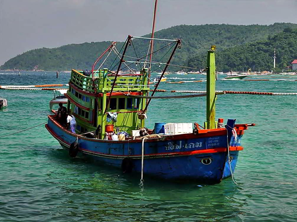 Fishing Boat at Tawaen Beach, koh Lahn Thailand