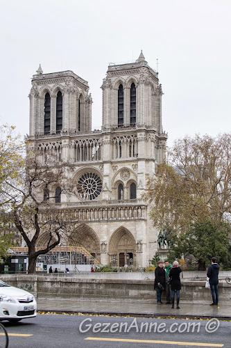 Paris Notre Dame kilisesi