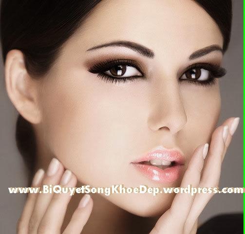 Làm mịn da và chăm sóc da thường xuyên là điều cần  thiết