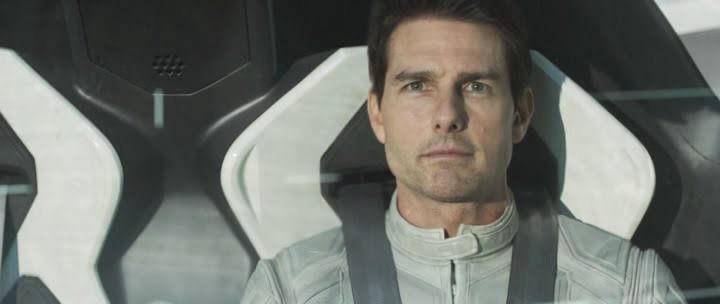 Screen Shot Of Hollywood Movie Oblivion (2013) Download And Watch Online Free at Alldownloads4u.Com