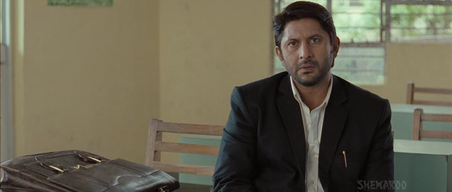 Screen Shot Of Hindi Movie Jolly LLB (2013) Download And Watch Online Free at Alldownloads4u.Com