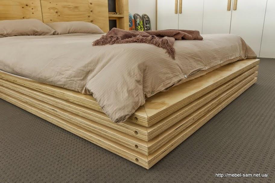 Такое исполнение корпуса кровати делает ее визуально более легкой