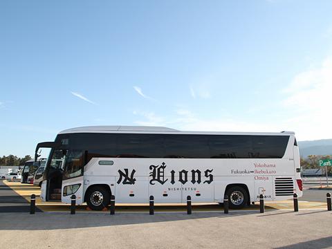 西鉄高速バス「ライオンズエクスプレス」 8546 足柄SAにて その2(H24.11.29)