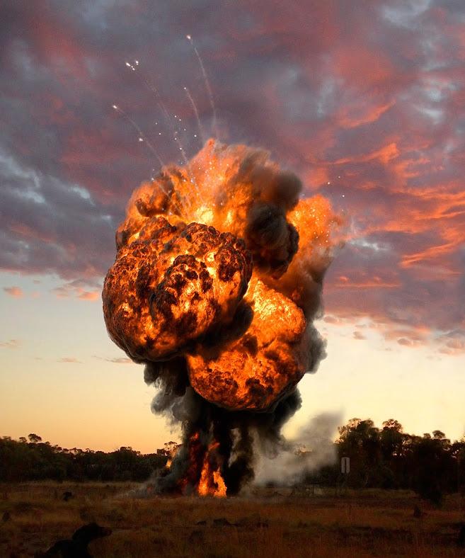 DEA RAID. PARTIDA ABIERTA. LA GRANJA. 9-03-14 Ueli-explosion-03