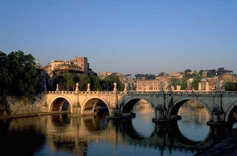 Puente Sant'Angelo sobre el Tíber