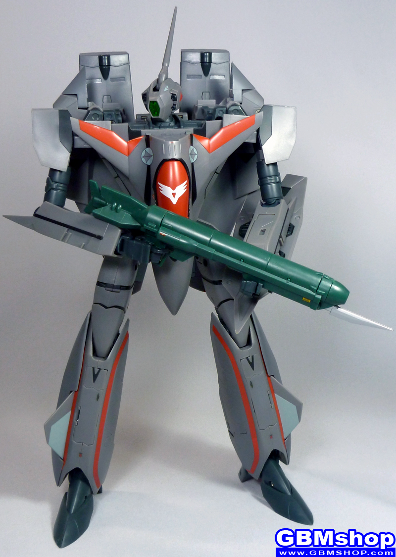 Macross Plus VF-11B with FAST Pack Super Part Super Thunderbolt Battroid Mode