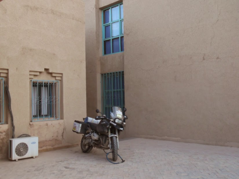 Marrocos e Mauritãnia a Queimar Pneu e Gasolina - Página 12 DSCF1405