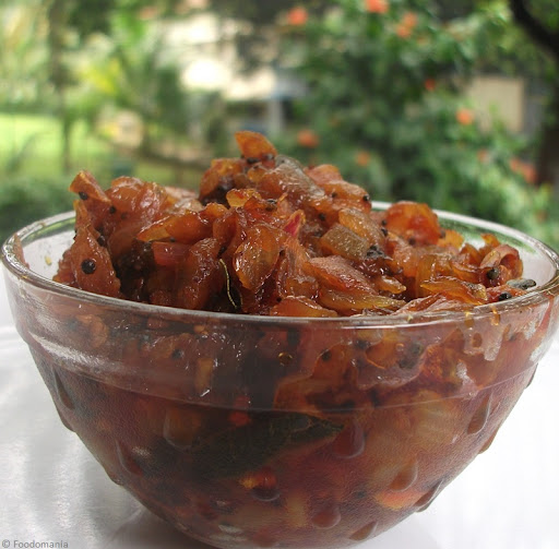 Onion Relish Recipe (Vengaya Thokku)