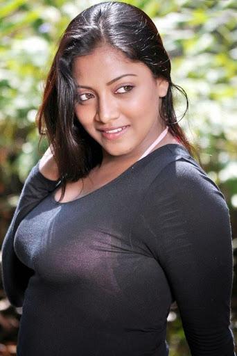 Daisy Shah Hot Bikini Image