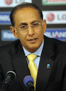 Haroon Lorgat addresses the media regarding security issues