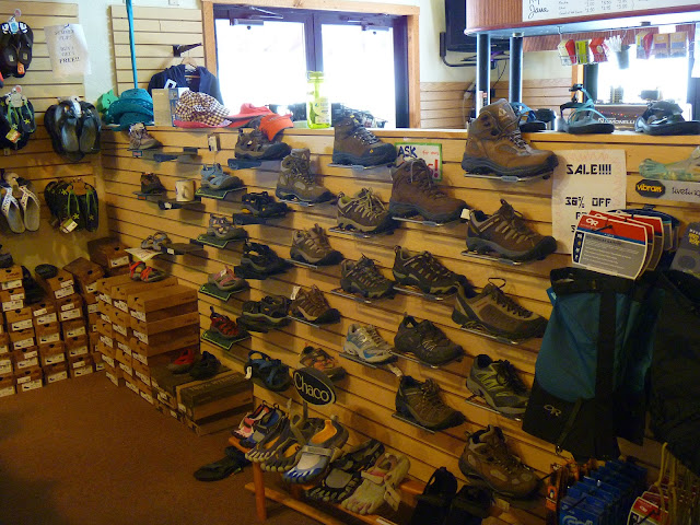 outdoor store boots Wilderness Voyageurs