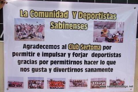 Lona de reconocimiento al Club Sertoma