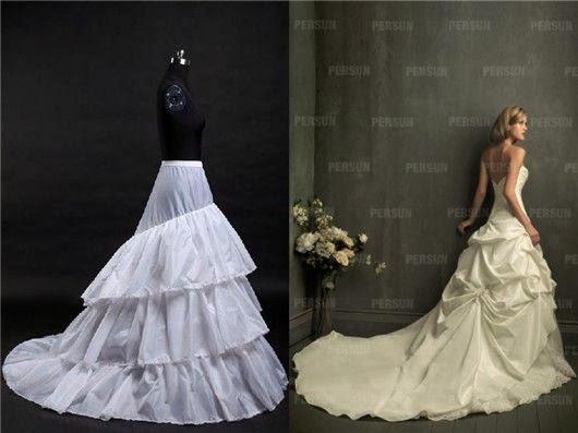 Jupon deux cerceaux à traîne et robe ligne-A à traîne de longueur moyenne