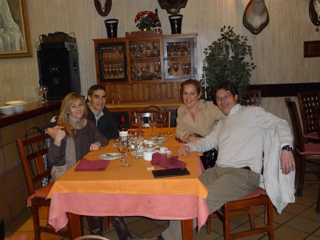De cena con nuestra compañera sevillana Manoli Reina