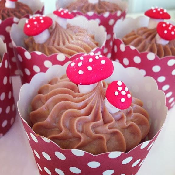 höstcupcakes med choklad, Toblerone och dulce de leche
