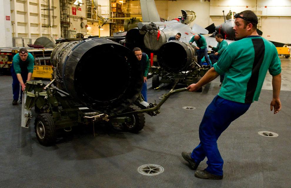 https://lh5.googleusercontent.com/-MwZ0mMhtVXw/TYlX4WqWOiI/AAAAAAAAAn4/yULAaTkua3M/s1600/libye-premiere-mission-aerienne-pour-la-tf-473-3.jpg