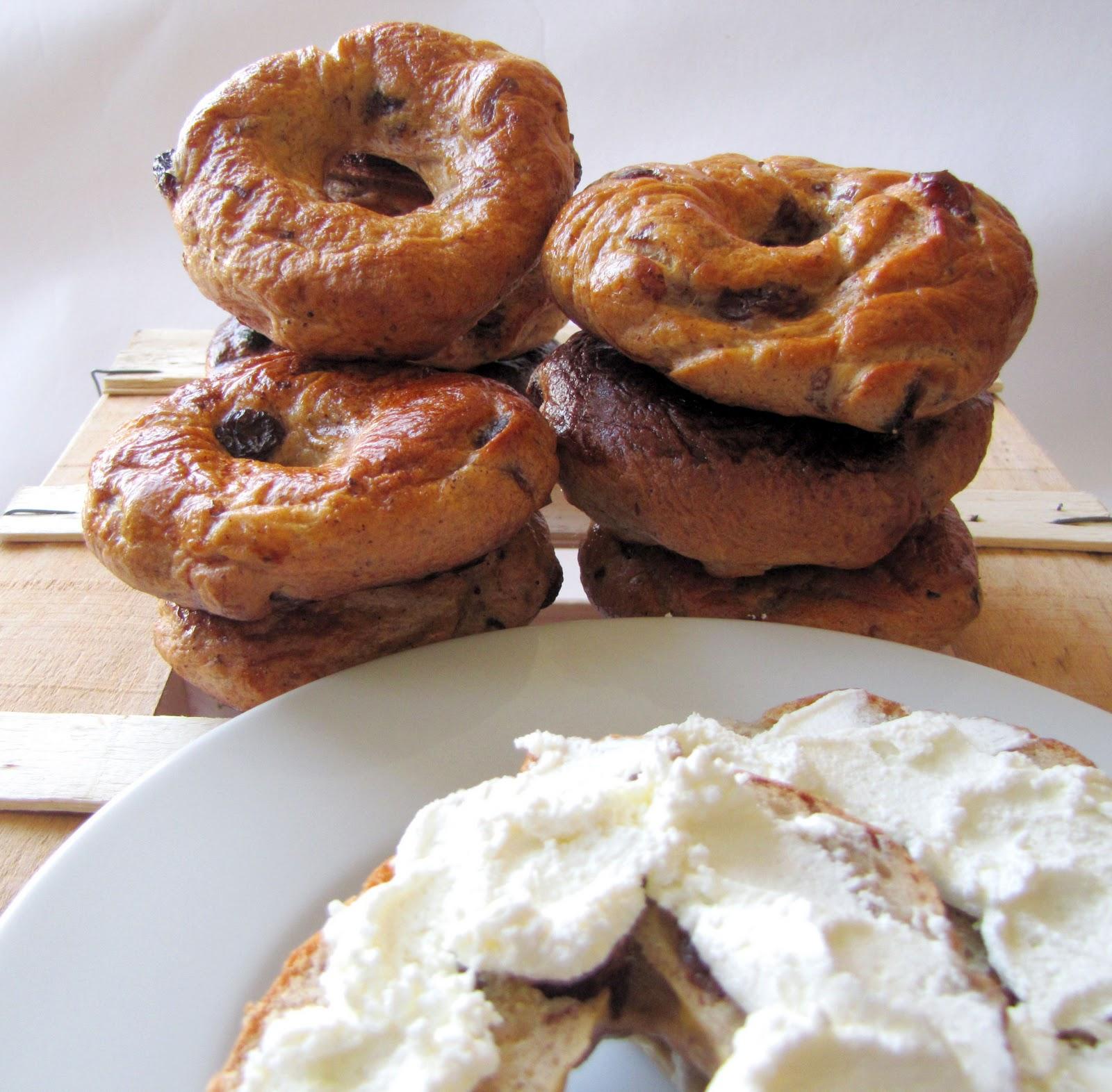 Lola-Lu's Kitchen: Cinnamon & Raisin Bagels