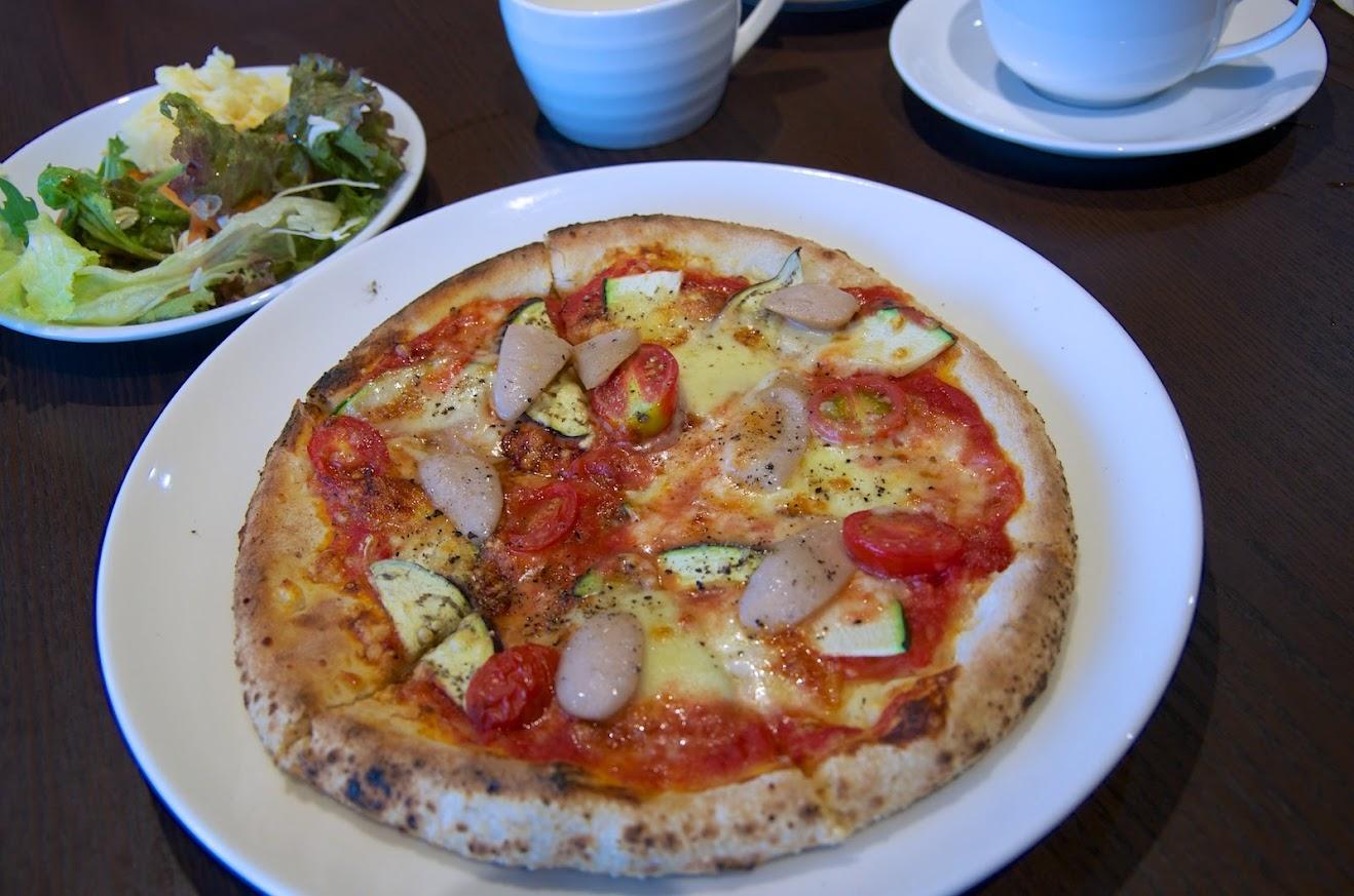 石窯焼のピザ