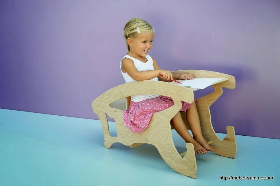 Детская парта - стол и стул в одном комплекте
