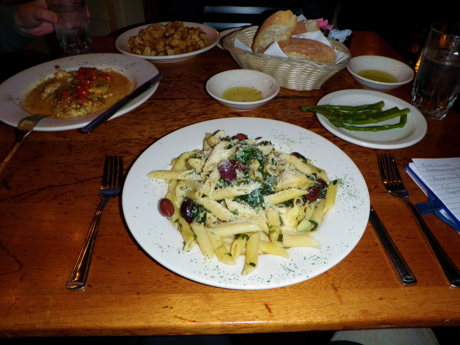 Italian-Fusion: Restaurant Review: Cafe Luna