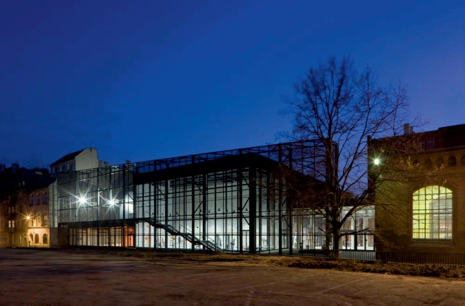 Sports and Leisure Building at High School No.3 by Major Architekci