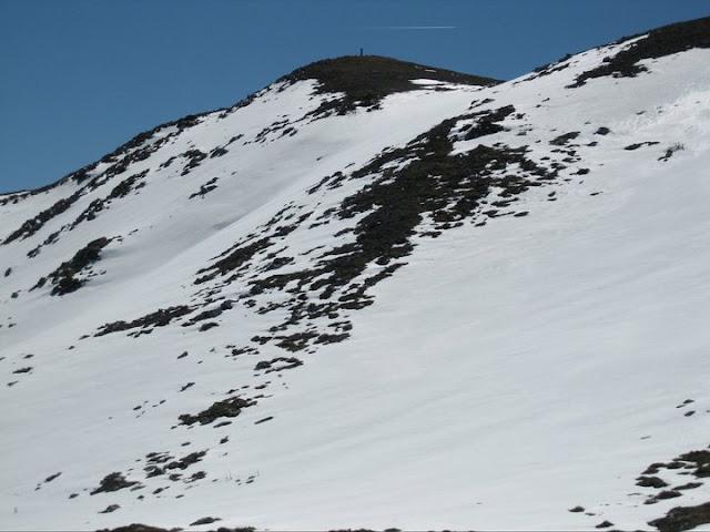 Rutas Montaña Asturias: Nieve en la cima de Peña Saleras
