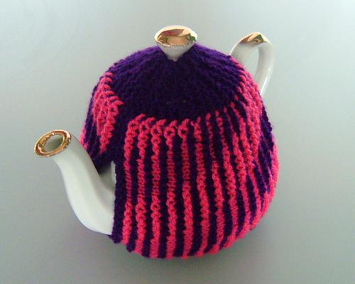 ۩ زييني ابريق الشاي بالتريكو و الكروشي۩ Pink_tea_cosy_800_medium