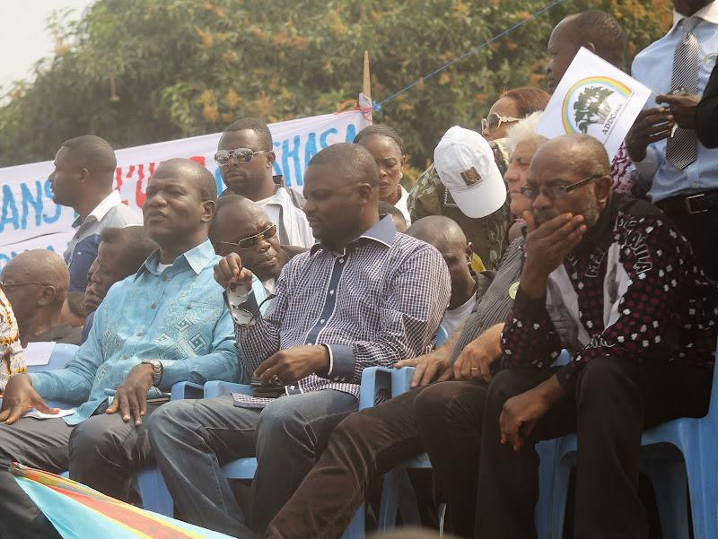 TSUNAMI POPULAIRE AU MEETING DE NDJILI SAINT THERESE - LES PREMIERES IMAGES IMG_0370