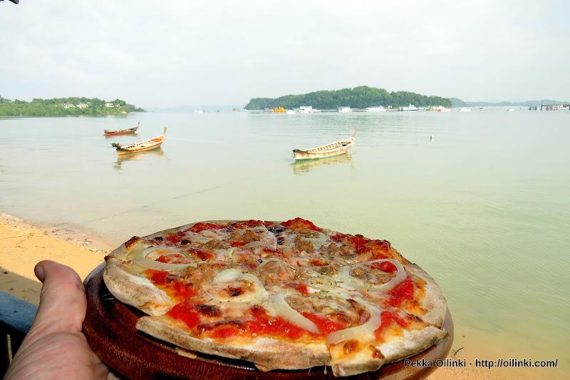 Pizza at Ao Por - Euro Pizza