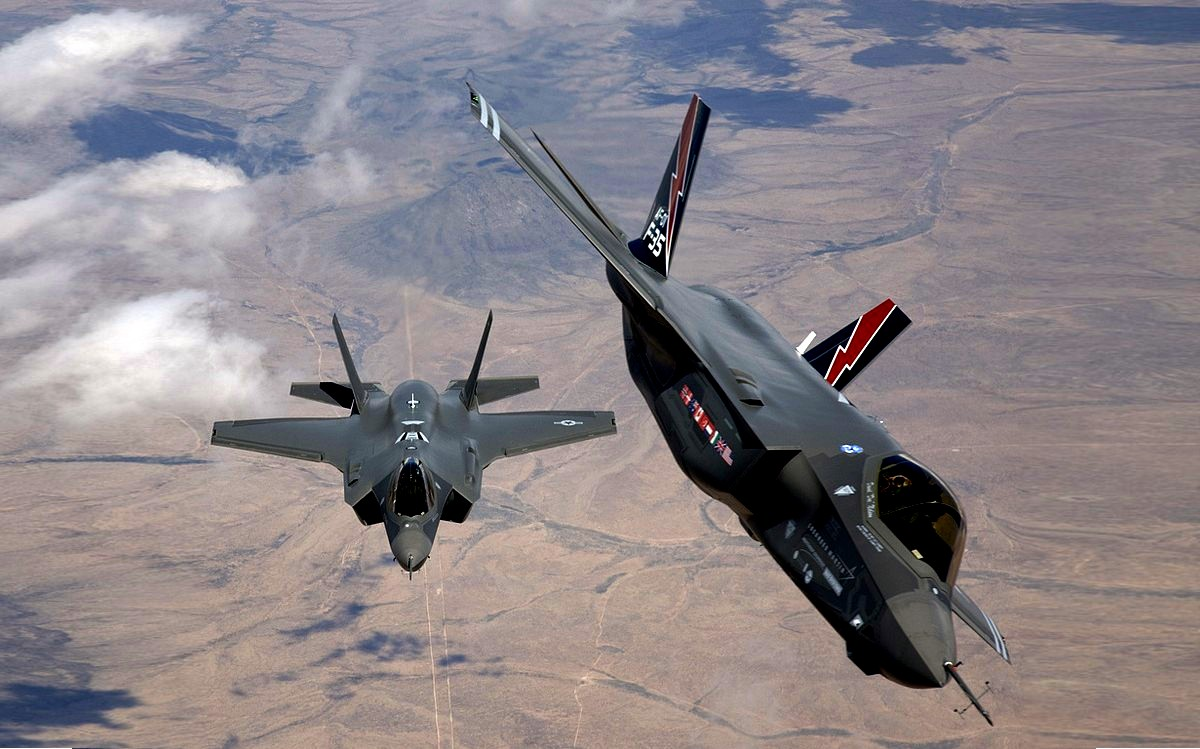 F-35 Lightning II Stealth Fighter Jet Wallpaper 4