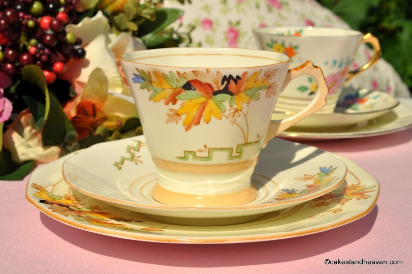 Tuscan Art Deco 2871A Cream Teacup Trio