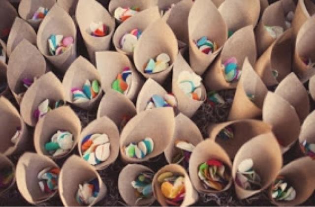 Confetti para la boda en cucuruchos