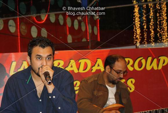 Rana and Manoj Pandya of Lambada Live performing at Pune Central on Christmas 2008 Eve