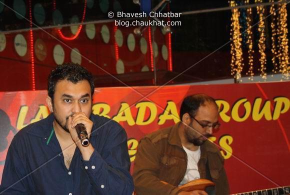 Rana and Manoj Pandya of Lambada Live performing at Pune Central on Christmas 2008 Eve