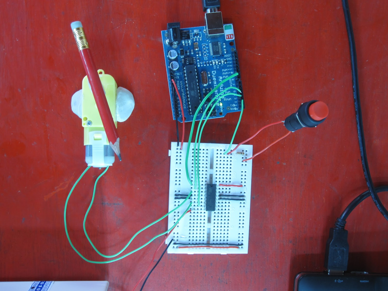 Spinning A 5v Dc Motor Andrew Mcwilliams Building The Simple Circuit