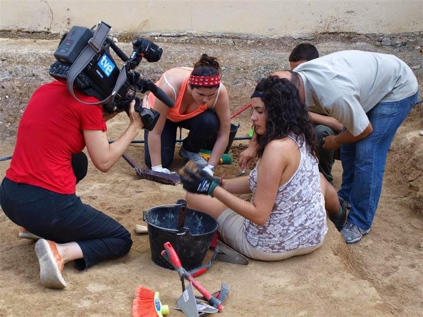 Excavación, medios de comunicación
