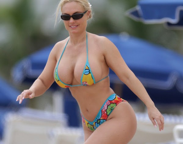 Coco in a bikini is a mindfreak:celebrities,bikini girl0