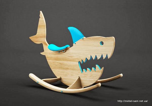 Детская игрушка лошадка-качалка в виде акулы