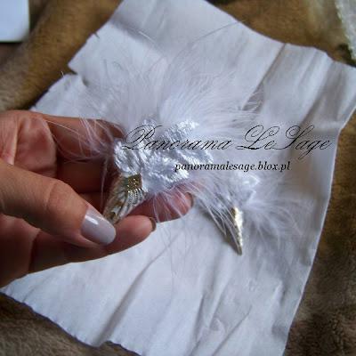ozdoba na włosy woalka białe pióra kryształek ozdoba ślubne PoliAtelier rękodzięło Anna Grabowska Panorama LeSage ślub panna młoda