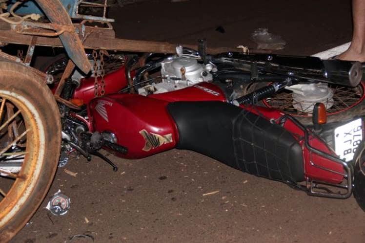 Santa Fé do Sul / Três Vítimas em colisão de moto com carrinho tração animal.