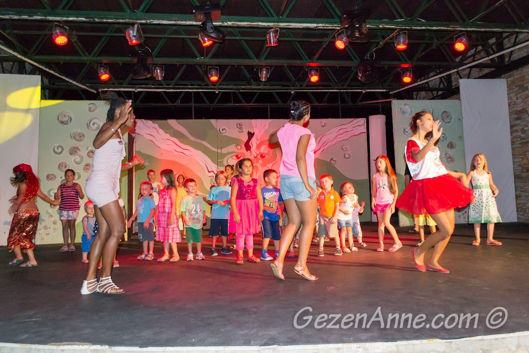 oğlum mini diskoda dans ederken, Bodrum Park Resort