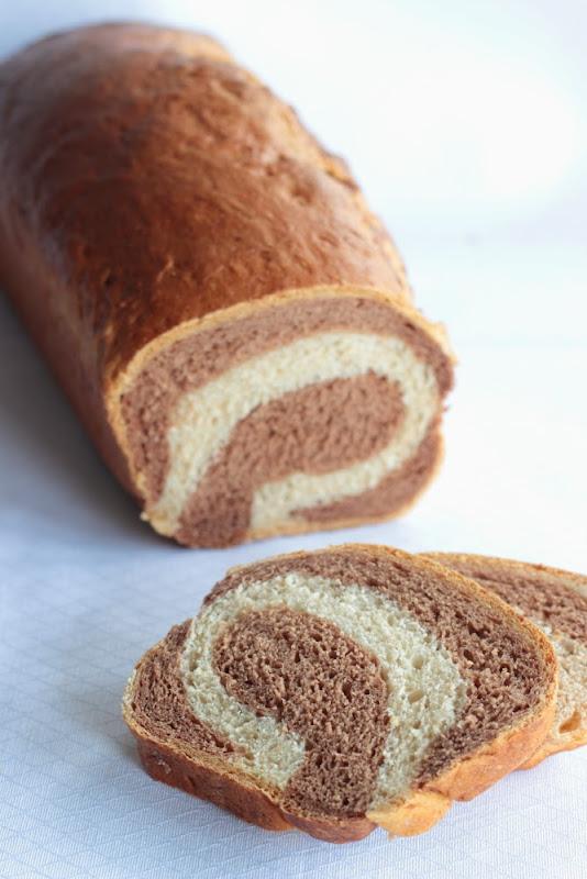 Pan amarmolado de centeno