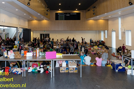 Kindermarkt - Schoenmaatjes Overloon 09-11-2014 (2).jpg
