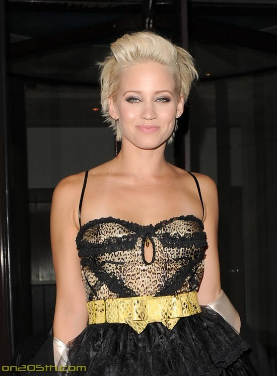 Kimberly Wyatt is a sexy Pussycat Doll… who knew? (sex-7photos)7