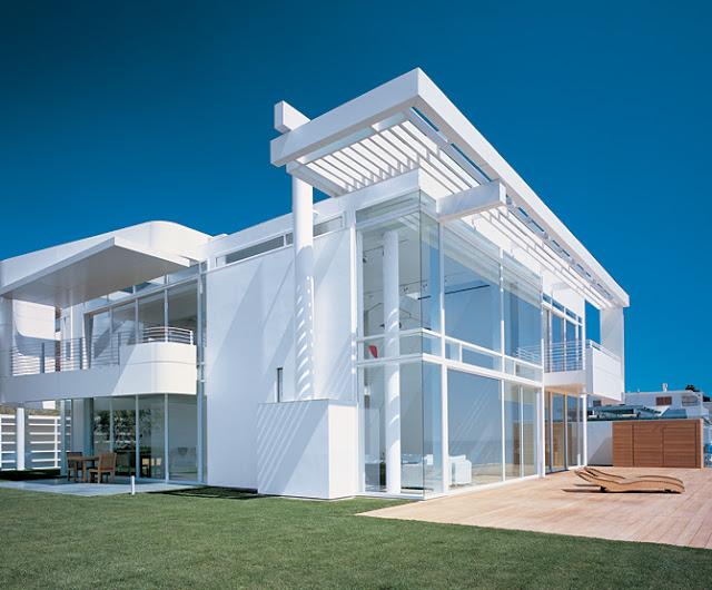Ultra Minimal White Beach House Modern Design By
