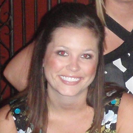 Ashley Johnson Photo 34