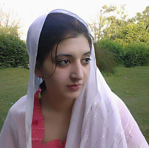 Sara Hashmi Photo 9