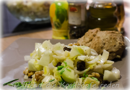 chicoree-apfel-walnuesse-kaese-wintersalat